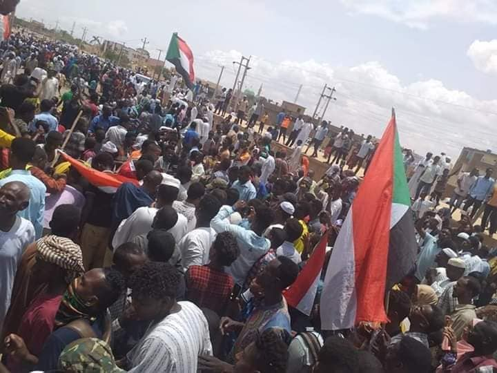 الحشد الأكبر و ذكرى الاستقلال … بقلم : تاج السر عثمان