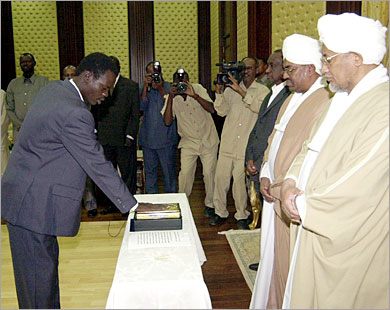 مفارقات ما بين الرفض والتأييد لتعيين حاكم إقليم دارفور
