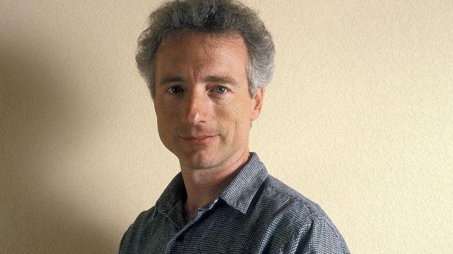 """رحيل عالم الكمبيوتر لاري تيسلر الذي ابتكر أوامر """"النسخ والقص واللصق"""""""