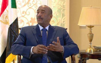 عبدالفتاح البرهان يغني فرحا بتوقيع إتفاقية السلام بجوبا