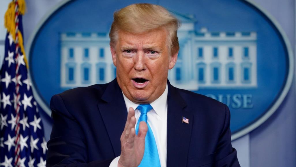 دعوات لعزل دونالد ترامب من السلطة على الفور