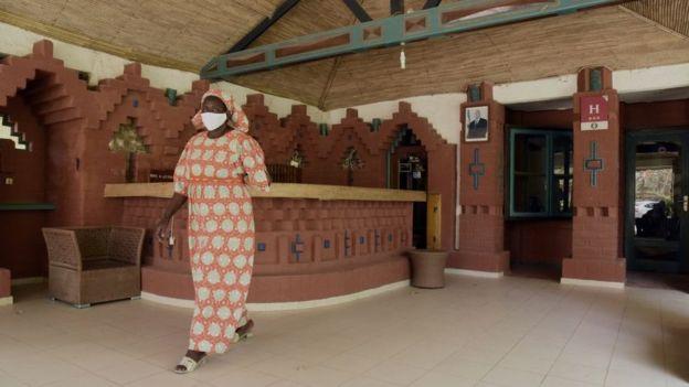 لماذا يتم تجاهل نجاحات أفريقيا في مواجهة فيروس كورونا؟
