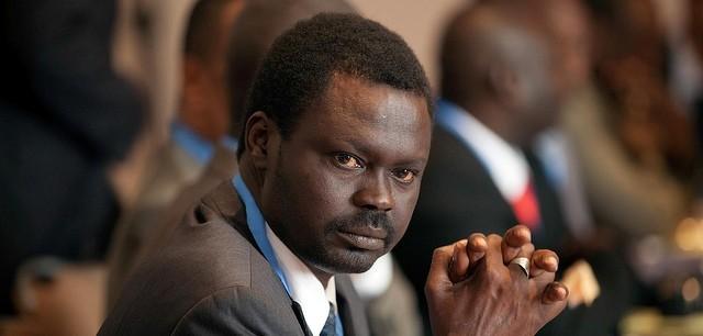 دكتور حمدوك يعين مناوي حاكما لإقليم دارفور