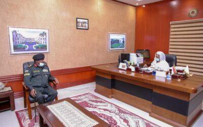 عائشة موسي تقف على هموم وقضايا مواطني ولاية نهر النيل
