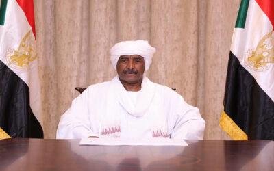 البرهان: يدعو السودانيين إلى وحدة الصف والتضامن