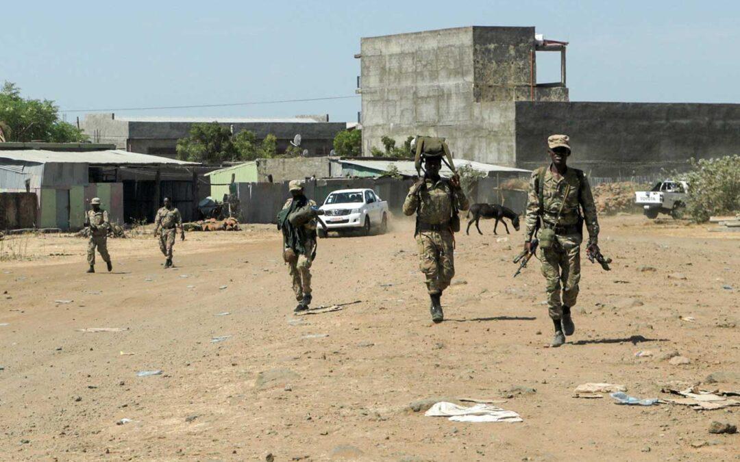 جنديان يرفضان إخلاء قطعة أرض لملاكها في الليري