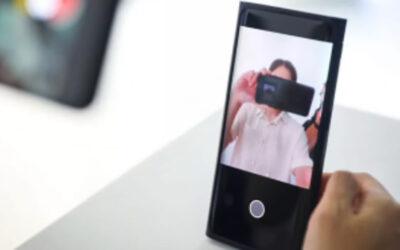 """"""" أوبو """" تكشف عن أول هاتف في العالم بكاميرا أسفل الشاشة"""