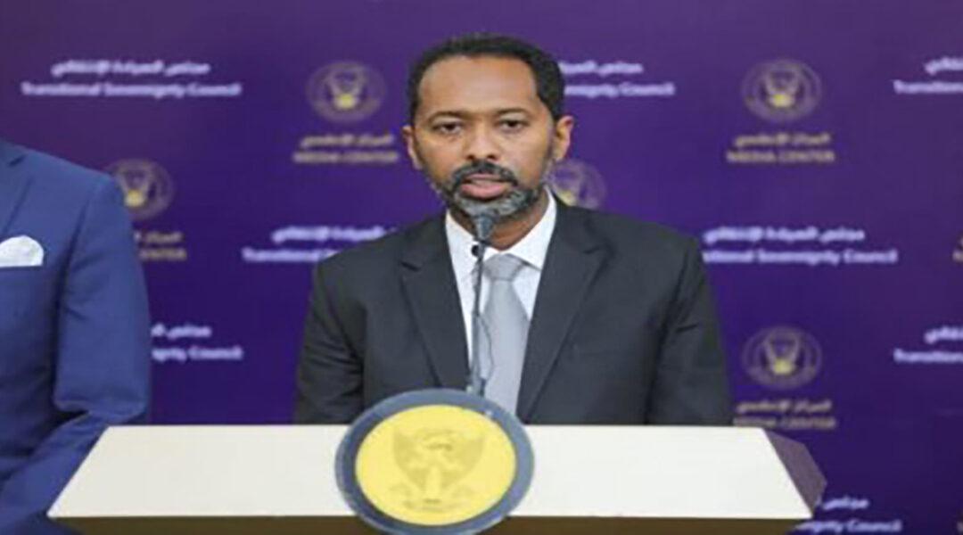 خالد عمر يتعهد بمحاسبة المتسببين  في أزمات الوقود