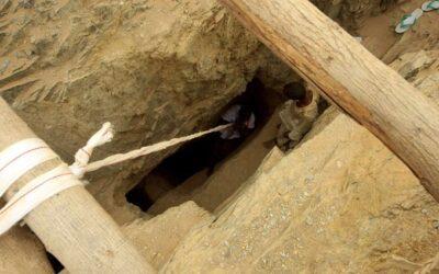 إنهيار مناجم مهجورة في سوق2 بحلفا يؤدي لمقتل 6 معدنيين