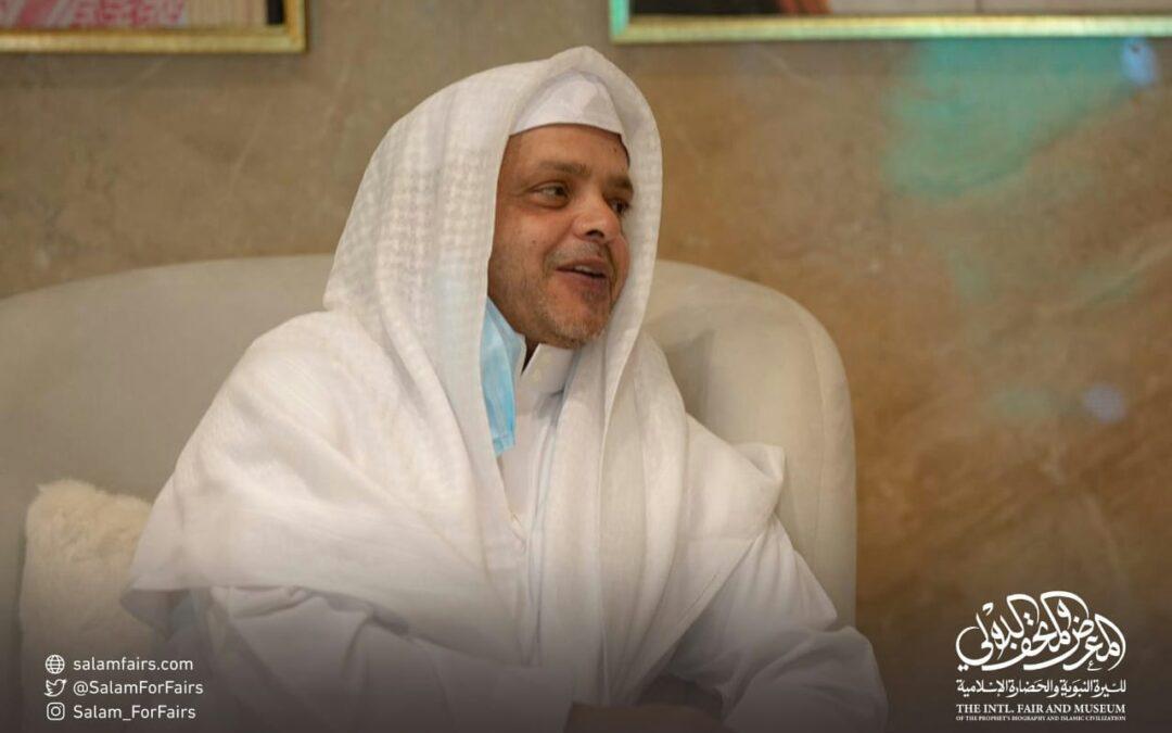 """""""الفنان محمد هنيدي"""" يعبر عن زيارتة لمتحف السيرة النبوية"""