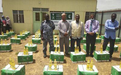 مركز الملك سلمان للإغاثة والأعمال الإنسانية يدشن توزيع سلال غذائية