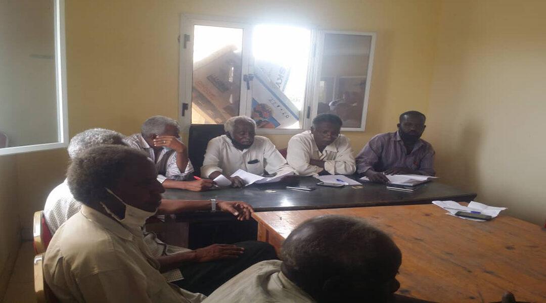 معلمو البحر الاحمر يطالبون بإقالة مسؤول طرد مناديبهم