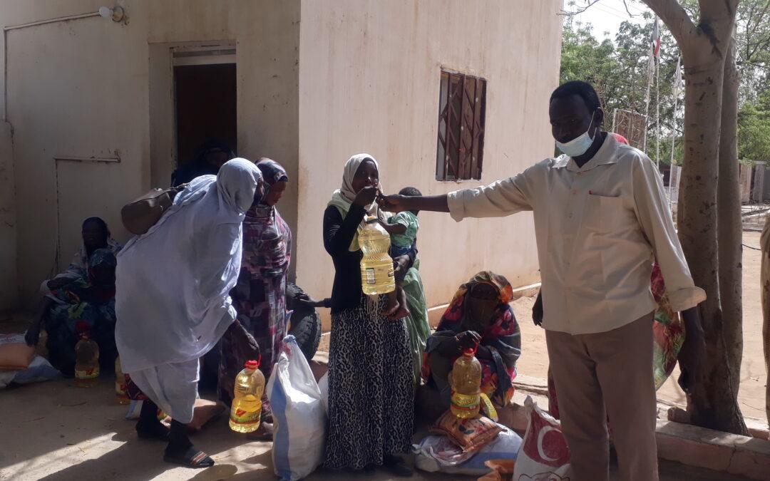 الرعاية الاجتماعية بشمال دارفور توزع كميات مقدرة من السلال للمحتاجين