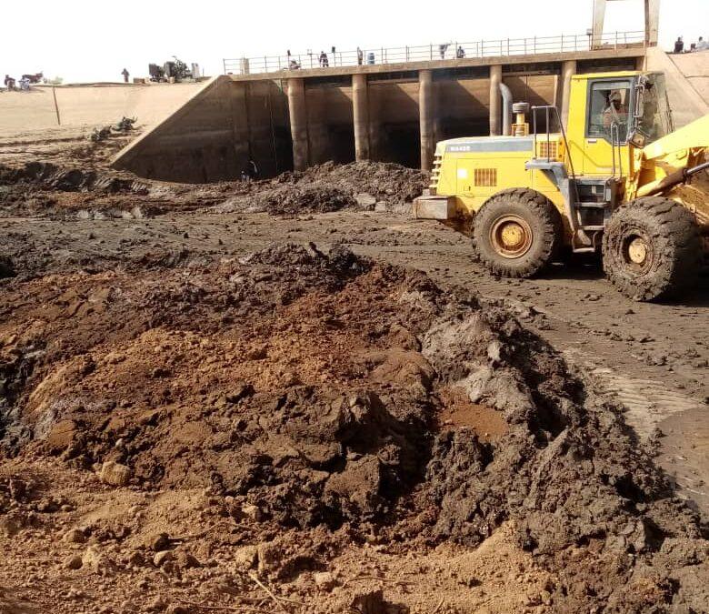 الري : إكتمال صيانة سايفون الدندر وضخ المياه لمشروع الرهد