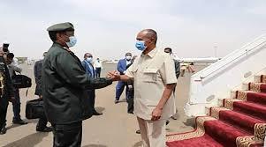الرئيس الأريتري أفورقي يصل الخرطوم والبرهان فى إستقباله