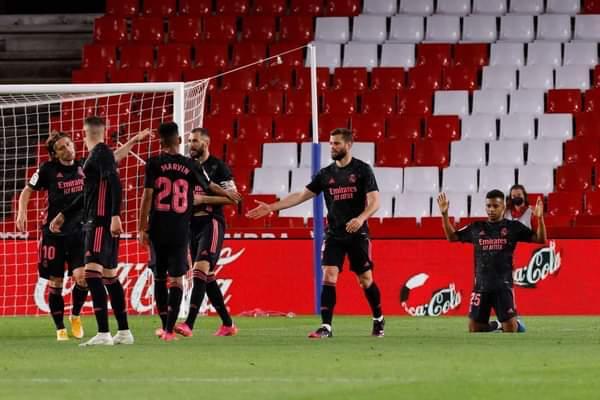 ريال مدريد يعبر غرناطة برباعية ويواصل مطاردة الأتلتي