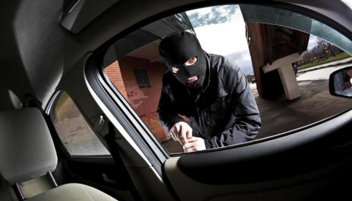 مواطنون يحبطون محاولة سرقه سيارة وسط مدينةالفاشر