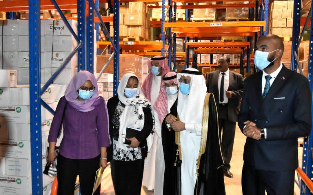 السفارة السعودية تدشن مساعدات طبية تقدر ب ٥٢ طن أدوية