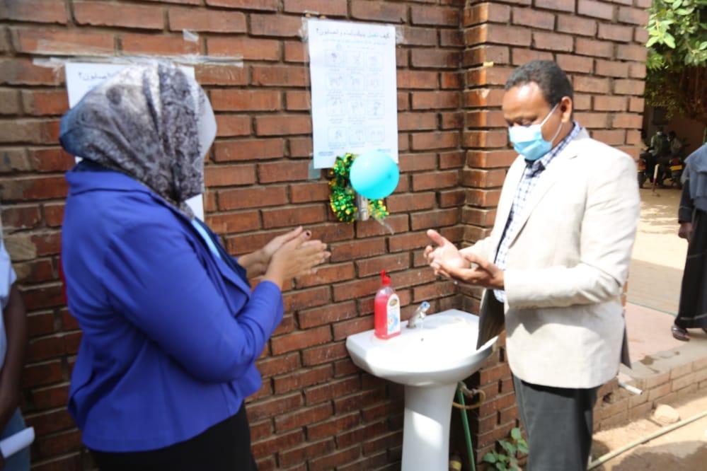 مدير صحة الخرطوم يشدد علي ضرورة غسل اليدين