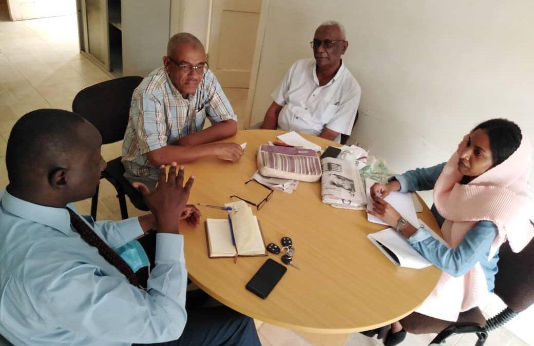 أمين المركز الافريقي يؤكد تنسيق الجهود لإنجاح الفترة الإنتقالية