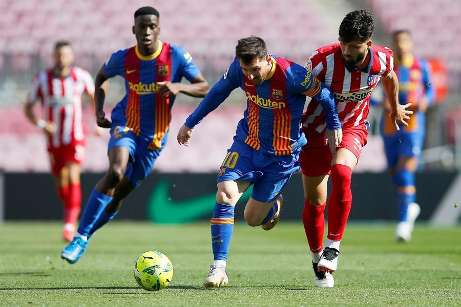 برشلونة أتلتيكو مدريد يُقدمان كرسى الصدارة لريال مدريد