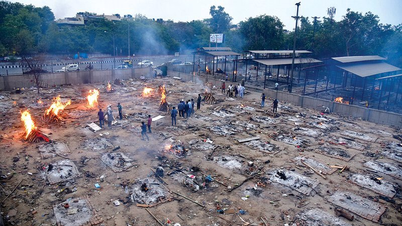 الهند تسجل ٤٠٠ الف إصابة كورونا يوميا ووفيات قياسية