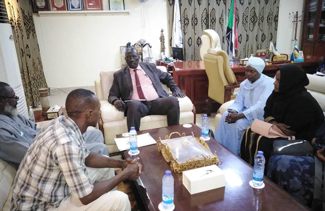 العمدة بادي يقف على أهداف ومشروعات وبرامج جامعة السودان المفتوحة