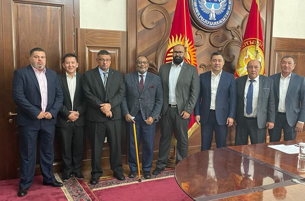 جمهورية قيرغستان تكرم مهندس سوداني لتشييده ٣٠ مدرسة بارآضيها..