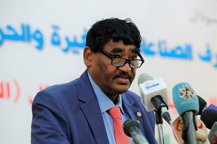 وزير الصناعة يكشف عن تخصيص ١٠٠ مليون دولار للشباب وريادة الأعمال